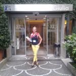 În faţa clinicii Genera din Roma, cea mai buna clinică FIV din Roma.